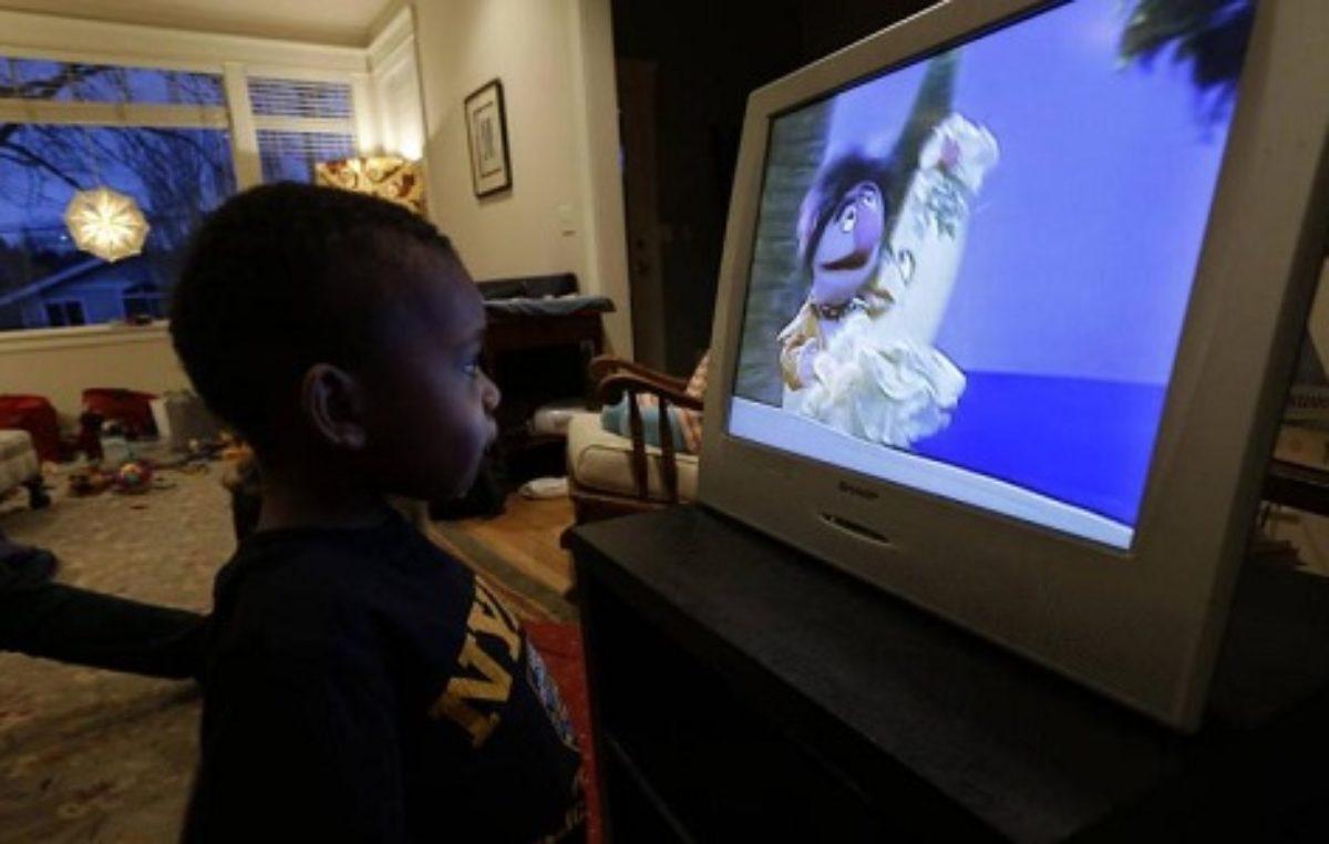 Chinese govt hands over digital TV project to Uganda