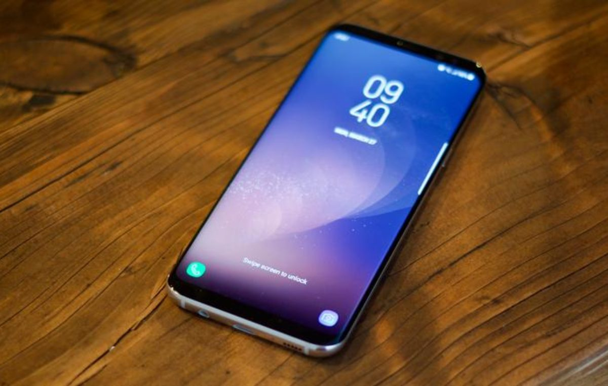 Smartphone prices in Uganda drop by 50% as Samsung trounces Infinix in 2018, report